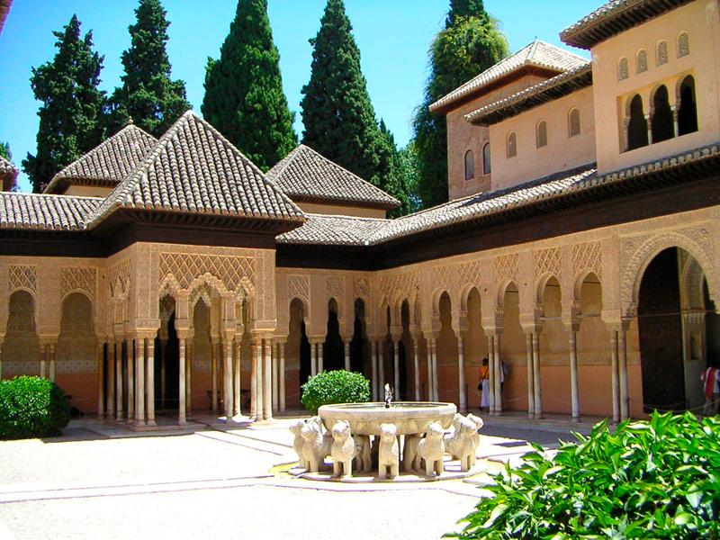 Granada universitaria students suitesstudents suites for Arquitectura granada
